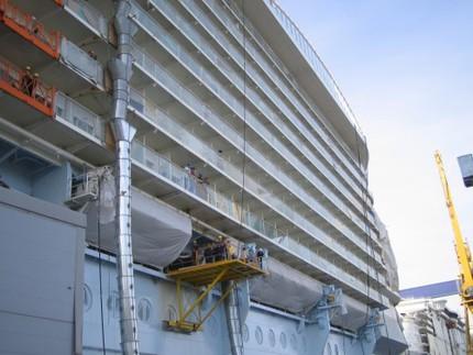 En del av fartyget - 20 våningar högt.